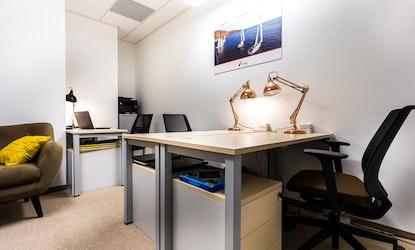 Omni Office Q22 Jana Pawła, Jana Pawła II 22