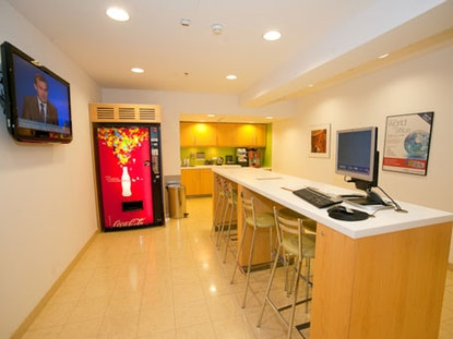Regus North Gate Bonifraterska, Bonifraterska 17
